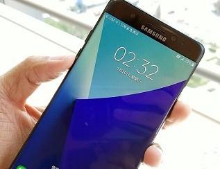 智能手机偏爱AMOLED 陆厂面临一个最头疼问题