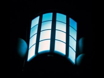 OLED市场硝烟四起:LG中国建厂 三星如何接招?