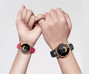"""小亿发布全球首款""""情侣互动"""" 智能手表"""