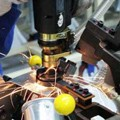 QP980激光焊接接头组织转变与变形行为研究