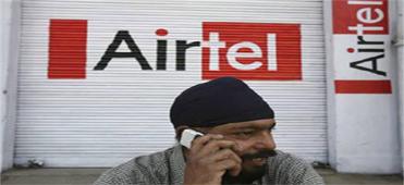 印度一男子在打电话