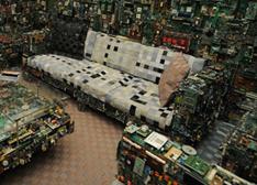 """这才是真正的""""高大上""""用废弃电子产品打造奢华家具(图)"""