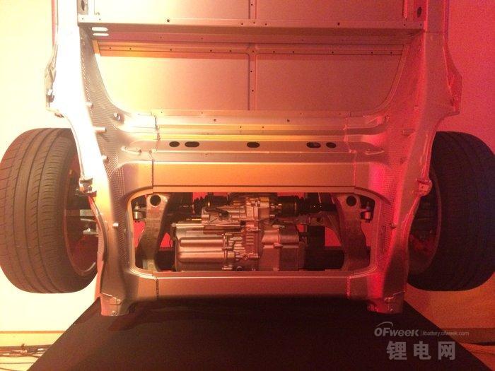 特斯拉新车TESLA-D发布会图文直播 电池续航未增寿命更长