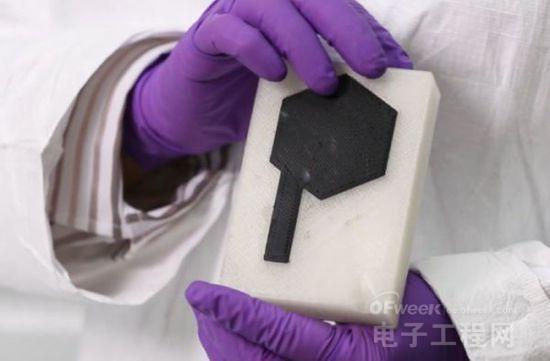 可调节形状大小的石墨烯3D打印电池