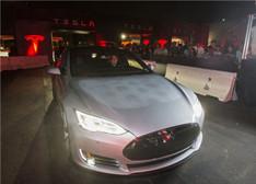 特斯拉Model S P85D实拍图集:酷炫大脸