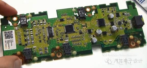 路电压采样,因为这种连接,使得整个电路板的连接和布置非常