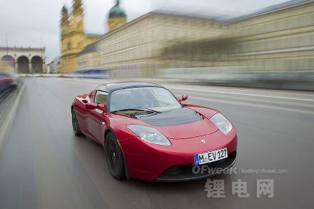 特斯拉CEO马斯克再次剧透Roadster升级信息 明天将发布
