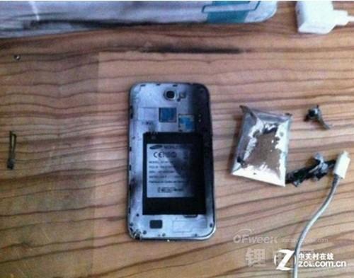 【揭秘】手机电池长时间充电会爆炸?