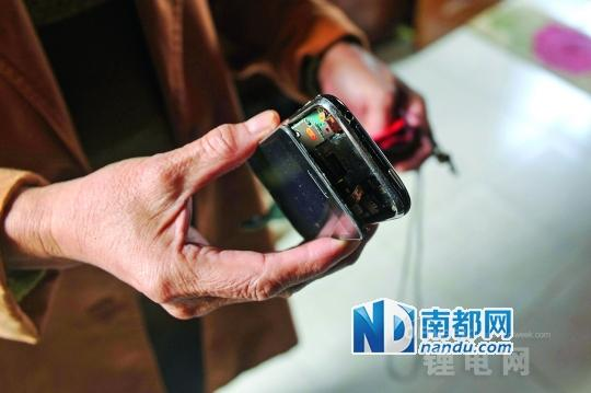 旧iPhone突然膨胀爆裂 官方称是锂电池寿命终结