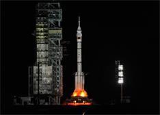 SpaceX又出奇招:让火箭降落在海上平台 或将改变航空产业格局