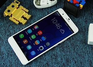 华为荣耀6 Plus真机上手评测:不惧魅族MX4 Pro/iPhone6 有实力就是任性!