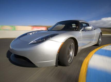 电动汽车终极大比拼!特斯拉PK比亚迪谁是大赢家?