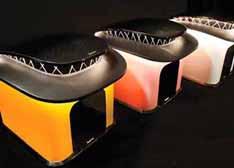 Revozport推出世界首款LED照明碳化纤维猫舍