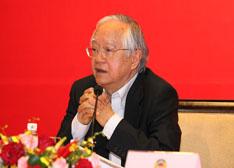 吴敬琏:经济结构缺陷是大气污染源头