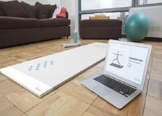 内置传感器的智能瑜伽垫:能帮你纠正姿势