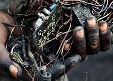 罪恶的真相:我们废弃的电子产品都去哪了