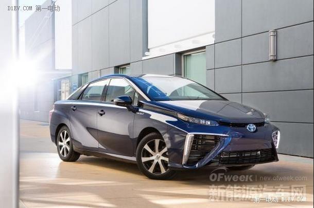 约合35.7万元的丰田首辆量产氢燃料电池车Mirai交付