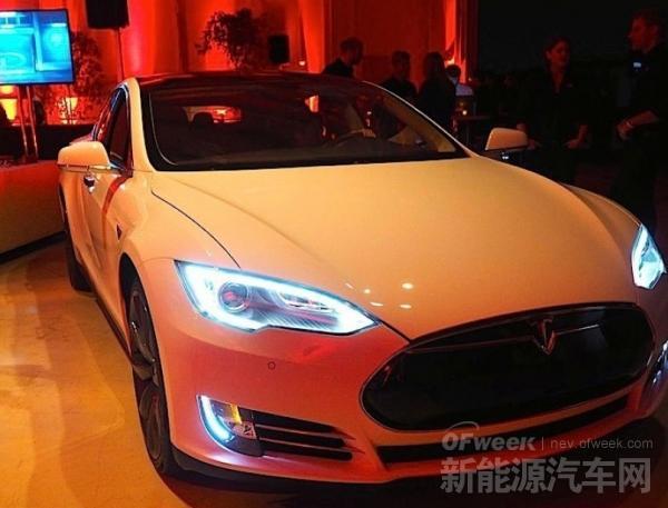 特斯拉比亚迪搅动新能源汽车产业 新时代将开启