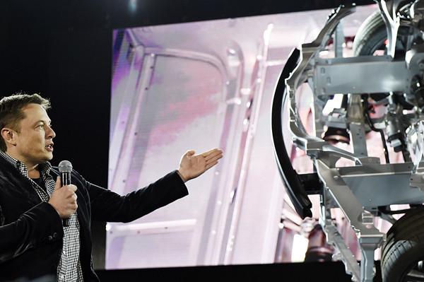 特斯拉CEO伊隆·马斯克:独断专行 要求严苛的工作狂!