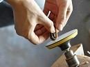 DIY大神力作:看如何手工打制实木小米手环腕带二代