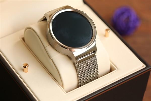 对比Moto360二代 华为WATCH国行版评测:圆盘手表新标杆