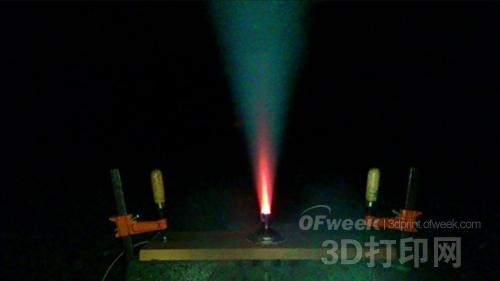 全球首个3D打印固体燃料火箭发动机问世
