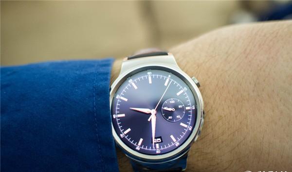 【继续v手表】华为智手表在AppleWatc表情包你对比说图片