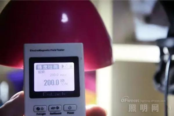 【揭秘】LED台灯的辐射之王说是否属实