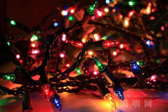 圣诞彩灯影响Wi-Fi网速? 专家:微乎其微