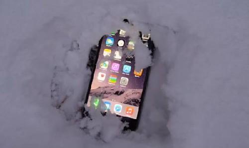 """锂离子电池受低温影响 iPhone被""""冻僵""""怎么办?"""
