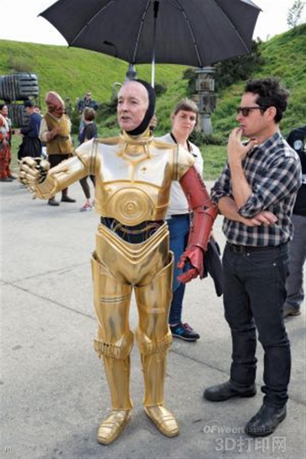 3D打印的C-3PO外壳