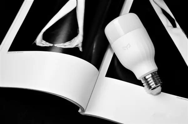 小米Yeelight_LED智能灯二代白光版评测分析:售价59元贵不贵?