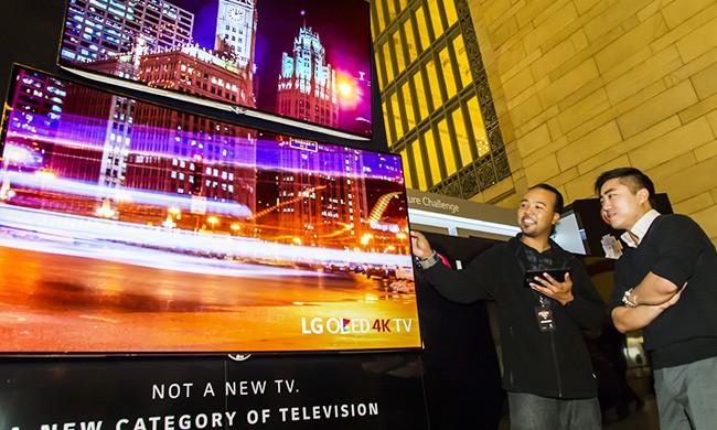 """LG将在CES 2016展示77""""可卷曲OLED面板"""