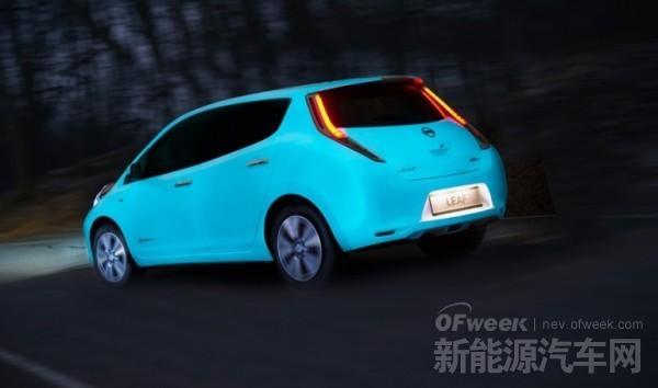 尼桑为纯电动车聆风研发新喷漆:夜间发光