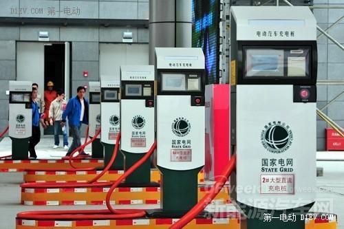 """新能源汽车发展火热 充电桩建设却遇""""寒流"""""""