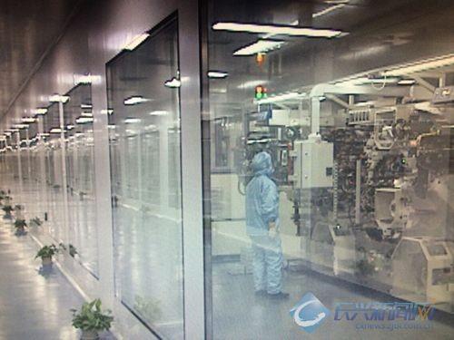 人机共存:华东首条全自动锂电生产线产能释放过半