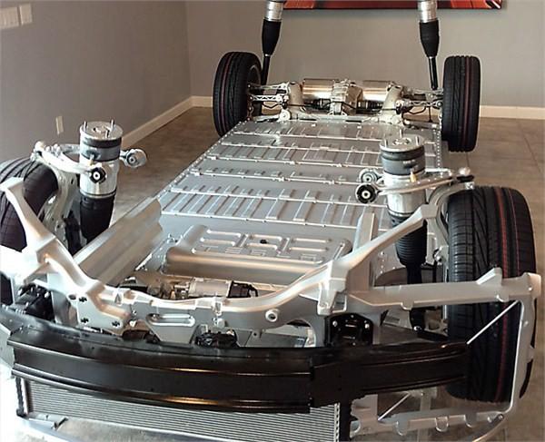 空心化尴尬:新能源车电池技术仍落后国外 亟需完善