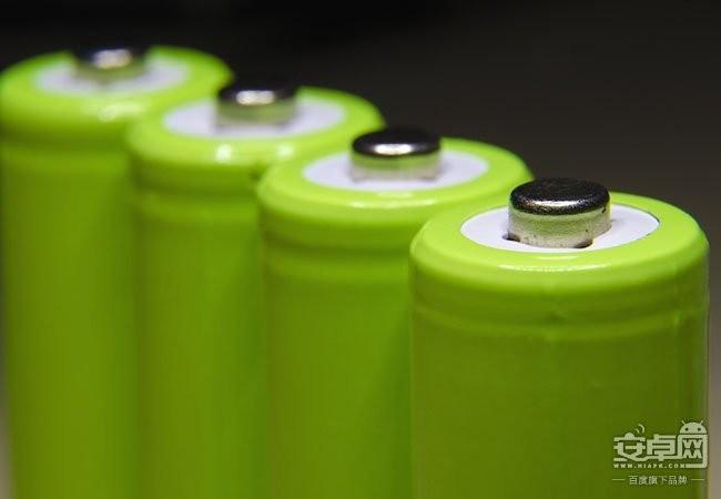 何故多年来手机电池容量停滞不前?