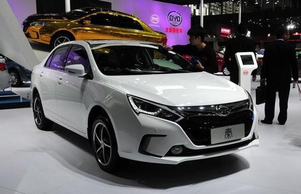 比亚迪:新能源汽车制霸 传统业务是否该放弃?