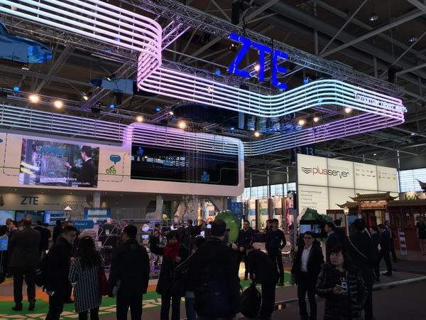中兴亮相汉诺威博览会 大功率无线充电技术受关注