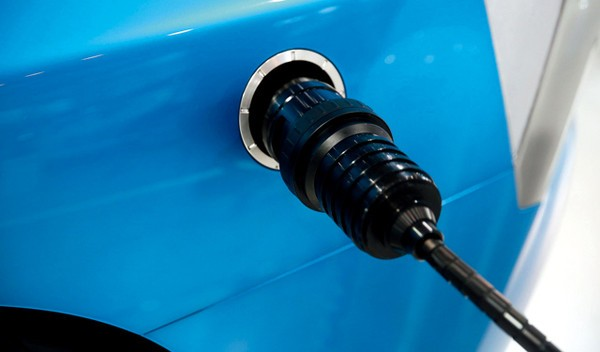 """丰田""""氢""""特斯拉 野心直指燃料电池车"""