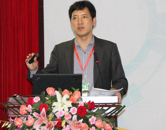 德国汉堡大学教授张建伟