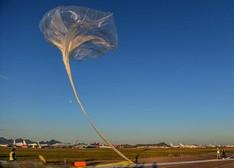 科学家释放携带激光探测器热气球寻找外星生命