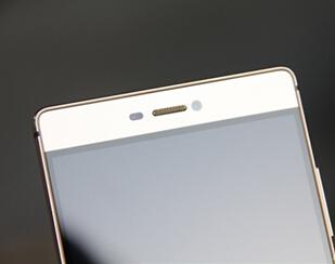 华为P8真机图赏+上手评测:麒麟930超窄边框 小米Note傻眼?