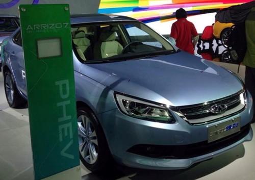 新能源汽车:纯电不敌混动 电池技术成软肋