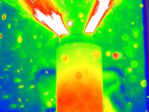 为破热逸溃现象 科学家用X射线扫描锂电池