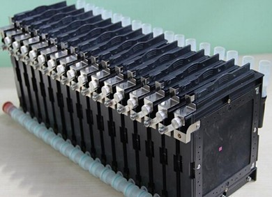 """细数前沿锂电池技术及其""""虎视眈眈""""的对手"""