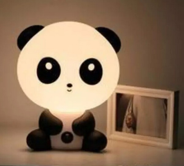 小熊猫,虽然图片不是很清晰,还是挡不住这led小夜灯的呆萌可爱的袭击.