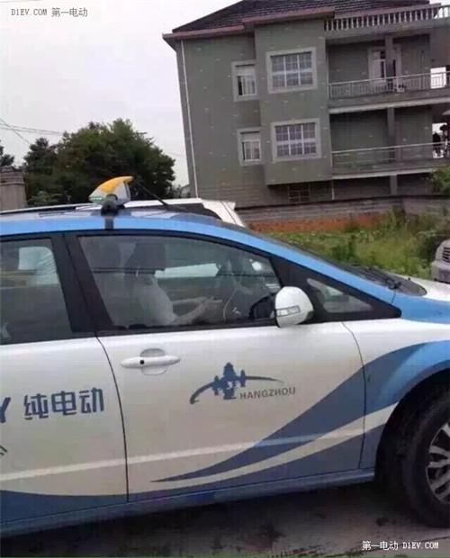 比亚迪e6出租司机是范冰冰?路遇受伤男孩热心送医