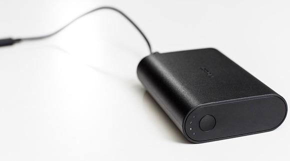 微软也杀入充电宝市场了 可同时给两台移动设备充电